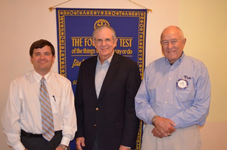 Sonny Smith speaks to Rotary